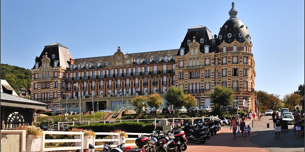 Cote fleurie_houlgate grand hotel